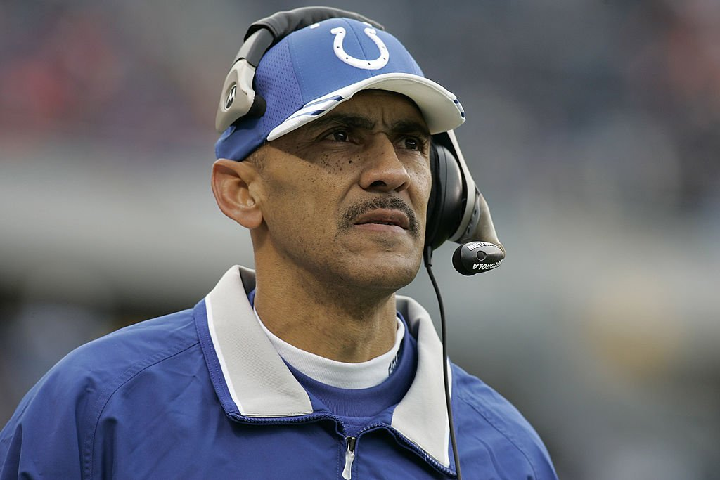 Tony Dungy head coach of the Indianapolis Colts looks on from the sideline against the Chicago Bears at Soldier Field on November 21, 2004 in Chicago, Illinois | Photo: GettyImages